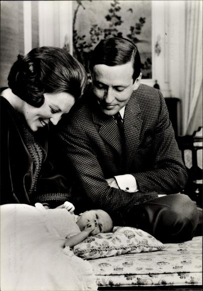 Ak Prinzessin Beatrix der Niederlande, Claus von Amsberg, Willem Alexander