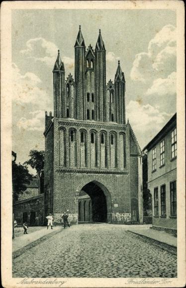 Ak Neubrandenburg in Mecklenburg Vorpommern, Partie am Friedländer Tor