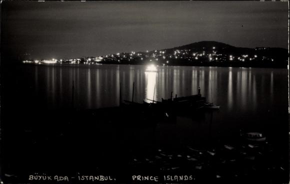 Foto Ak Büyükada Konstantinopel Istanbul Türkei, Prinzeninseln, Hafenpartie, Stadtpanorama