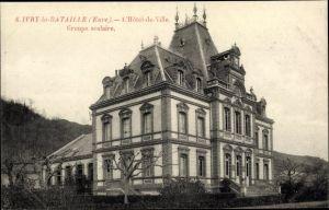 Ak Ivry la Bataille Eure, L'Hotel de Ville, Groupe scolaire