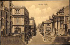 Ak Malta, Strada Reale, Straßenpartie, Häuser