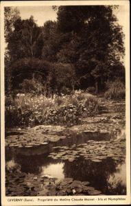 Ak Giverny Eure, Propriete du Maitre Claude Monet, Iris et Nympheas, Seerosen