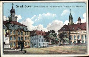 Ak Saarbrücken im Saarland, Schloßplatz mit Ulanendenkmal, Rathaus und Kreishaus