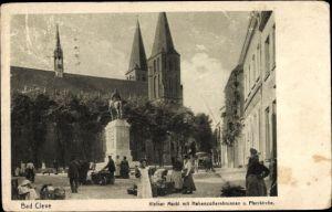 Ak Kleve am Niederrhein, Kleiner Markt mit Hohenzollernbrunnen und Pfarrkirche
