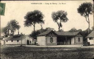 Ak Versailles Yvelines, Camp de Satory, Le Stand, bâtiments, arbres