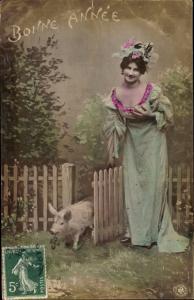 Ak Glückwunsch Neujahr, Glücksschwein, Dame in Kleid, Portrait, NPG, Kleeblätter