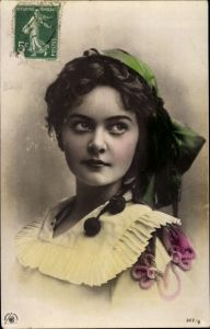 Ak Dame in Kleid, Hut, Bommel, Portrait, NPG 322/8