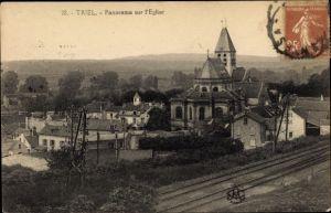 Ak Triel sur Seine Yvelines, Panorama sur l'èglise, voies ferrées, vue partielle de la village