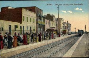 Ak Suez Ägypten, The train arriving from Port Tewfik