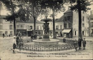 Ak Crouy sur Ourcq Seine-et-Marne, Place du Marché