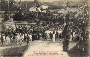 Ak Aboisso Elfenbeinküste, Jardin de la Résidence un jour de fete