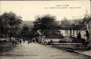 Ak Montfaucon sur Moine Maine et Loire, Place de la Motte