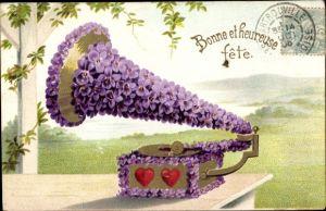 Präge Ak Glückwunsch, Bonne et heureuse fete, Grammophon aus Veilchen