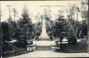 Ak Sowjetsk Tilsit Ostpreußen, Partie beim Königin Luise Denkmal