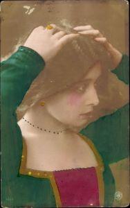 Ak junge Frau mit kurzem Haar, Portrait