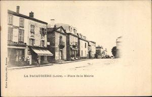Ak La Pacaudiere Loire, Place de la Mairie