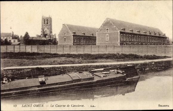 Ak Saint Omer Pas de Calais, La Caserne de Cavalerie, bateau