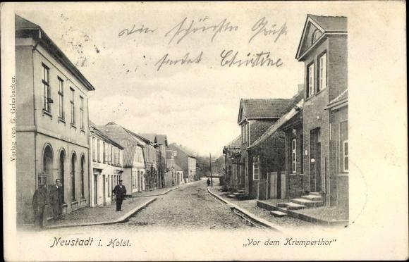 Ak Neustadt in Ostholstein, Vor dem Kremper Tor