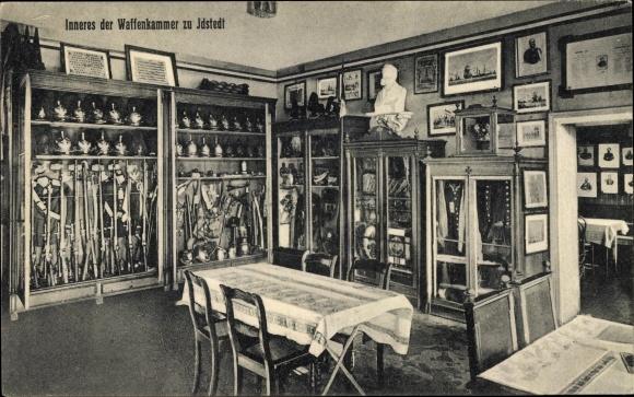 Ak Idstedt in Schleswig Holstein, Waffenkammer, Innenansicht