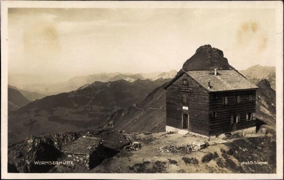Ak Vorarlberg Österreich, Wormserhütte, Außenansicht, Bergpanorama, dt. Alpenverein