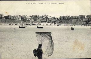 Ak Le Portel Pas de Calais, La Peche aux Crevettes, pecheur, plage, Vue générale
