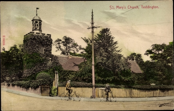 Ak Teddington Greater London, St. Mary's Church, bicycles
