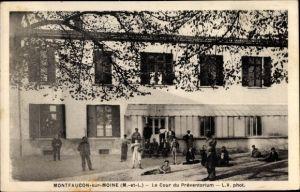 Ak Montfaucon sur Moine Maine et Loire, La Cour du Préventorium
