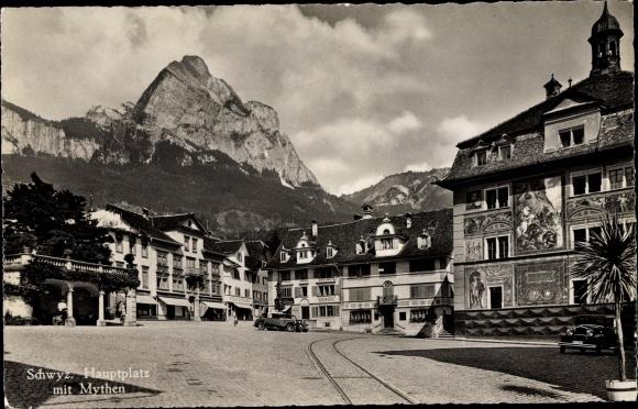 Ak Schwyz Stadt Schweiz, Hauptplatz mit Mythen