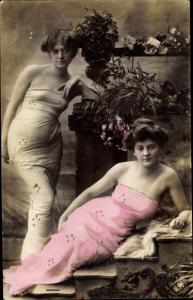 Ak Zwei Damen im Portrait, NPG 411/8