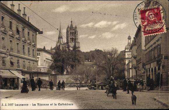 Ak Lausanne Kt. Waadt Schweiz, La Riponne et la Cahtedrale