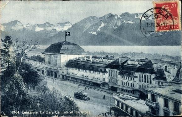 Ak Lausanne Kt. Waadt Schweiz, La Gare Centrale et les Alpes