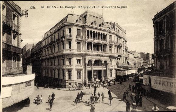 Ak Oran Algérie Algerien, La banque d'Algérie et le Boulevard Séguin, piétons