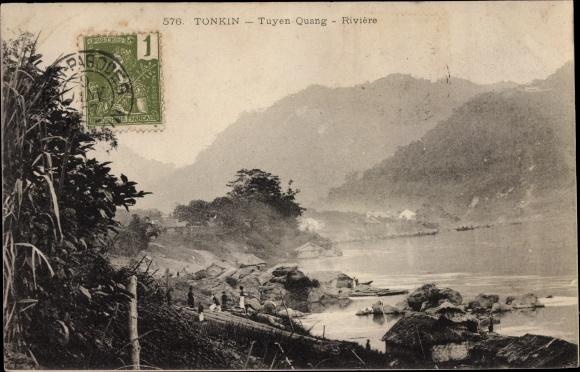 Ak Tuyen Quang Vietnam, bords de la riviere