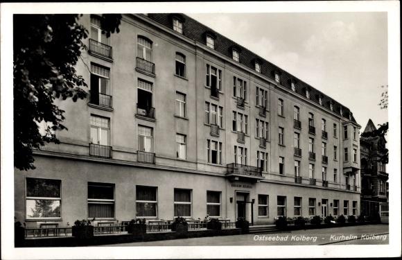 Ak Kołobrzeg Kolberg Pommern, Kurheim, Fassade
