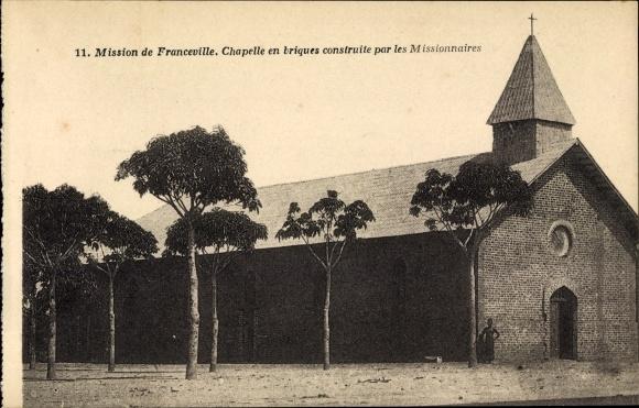 Ak Franceville Gabun, Chapelle en briques construite par les Missionaires