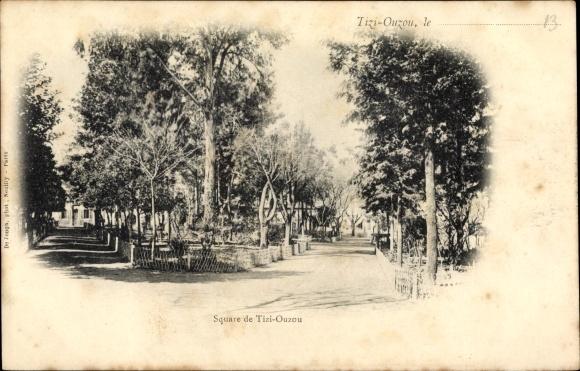Ak Tizi Ouzou in Algerien, Square, Platzpartie, Bäume