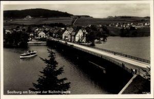 Ak Saalburg Ebersdorf in Thüringen, Blick auf den Ort mit Brücke, Fähre
