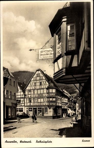 Ak Annweiler am Trifels, Rathausplatz, Wirtshaus, Fachwerkhäuser