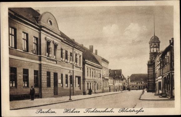 Ak Parchim in Mecklenburg Vorpommern, Höhere Töchterschule, Blutstraße