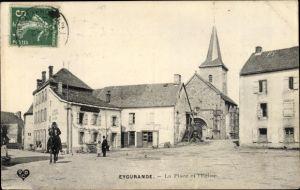 Ak Eygurande Corrèze, La Place et l'Église