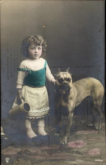 Ak Mädchen mit einer Dogge