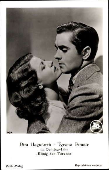 Ak Schauspieler Rita Hayworth und Tyrone Power, Portrait, Umarmung, König der Toreros