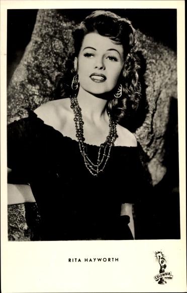 Ak Schauspielerin Rita Hayworth, Portrait, Das Schiff des Satans, Salome