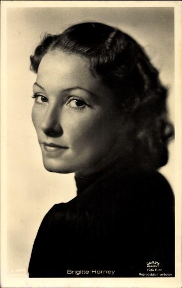 Ak Schauspielerin Brigitte Horney, Portrait, Schulterblick
