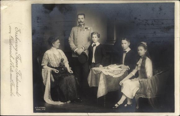 Ak Erzherzog Franz Ferdinand mit Gemahlin und Kindern, Portrait