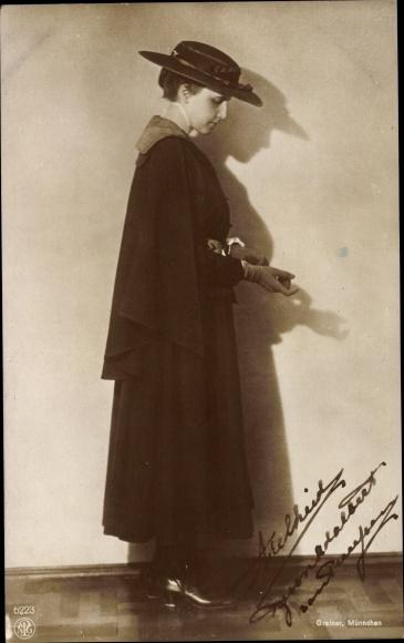 Ak Prinzessin Adelheid von Sachsen Meiningen, Frau von Adalbert v. Preußen, NPG 6223