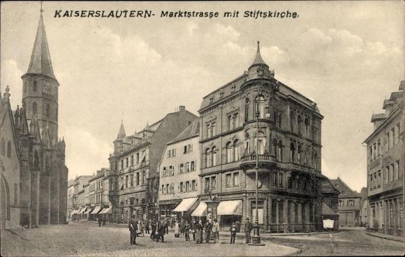 Ak Kaiserslautern in Rheinland Pfalz, Partie an der Marktstraße mit Stiftskirche