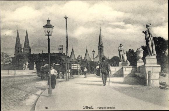 Ak Lübeck in Schleswig Holstein, Partie auf der Puppenbrücke