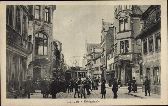 Ak Landau in der Pfalz, Partie in der Königstraße, Straßenbahn, Café Billard, Bäckerei, Wiener Café