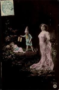 Ak Frau als Mutter Natur, Blumen, Kind als Zwerg, Portrait, NPG 344/1